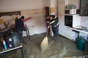 Ущерб при затоплении (заливе) квартиры в 2020 - оценка, моральный, кто возмещает, по вине жильцов
