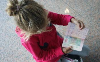 Какие документы нужны для прописки в квартиру ребенка в 2020 - по месту жительства, к матери, к бабушке