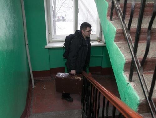 Как выписать человека из квартиры без его согласия в 2020 - можно ли, через суд