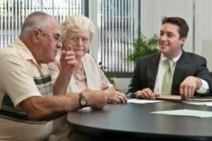 Может ли опекун продать квартиру недееспособного в 2020 - после его смерти, своим родственникам