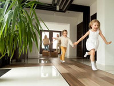 Продажа квартиры с обременением в 2020 - можно ли, прописан человек, материнским капиталом, в рассрочку